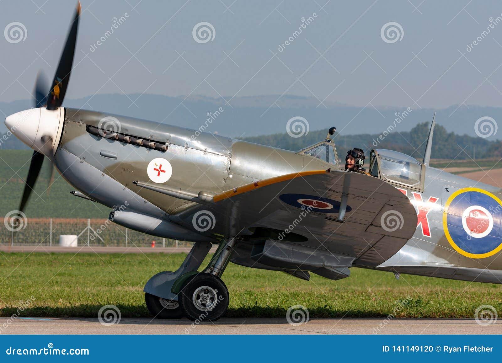 Spitfire Mk di Supermarine Aereo da caccia D-FEUR della seconda guerra mondiale 8