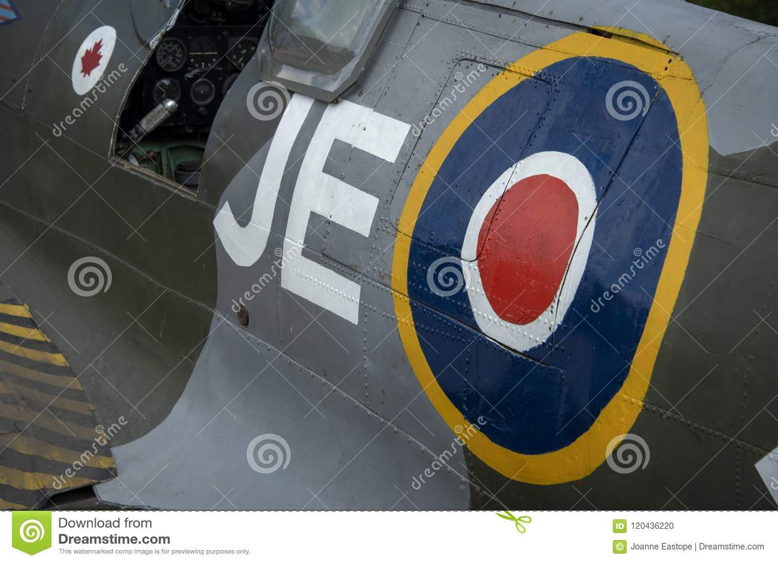 Spitfire Mk IX, сериал никакой EN398, JE-J