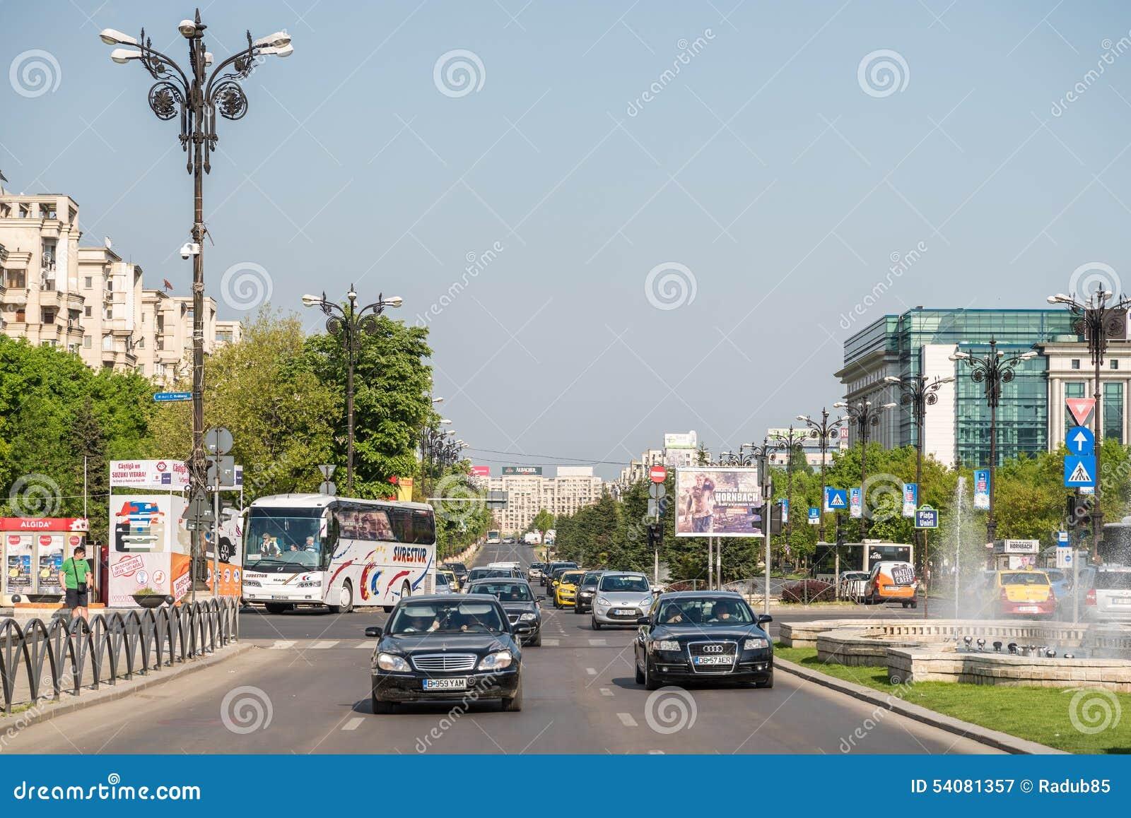 Spitsuur in Union Square (Piata Unirii) van Boekarest
