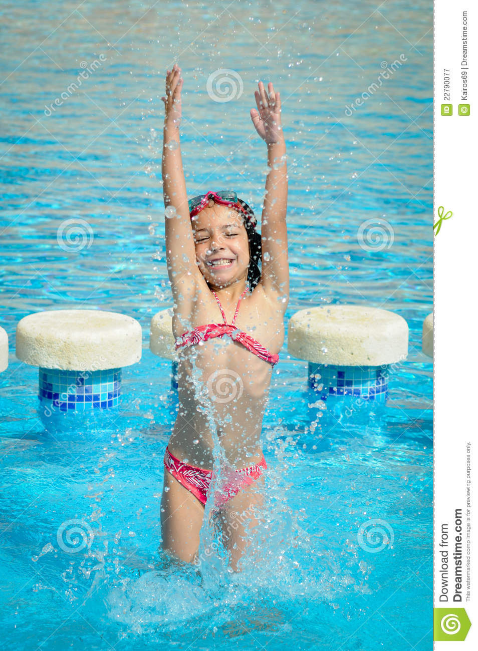 Free Swimming Pool: Splashes In A Swimming Pool Stock Image
