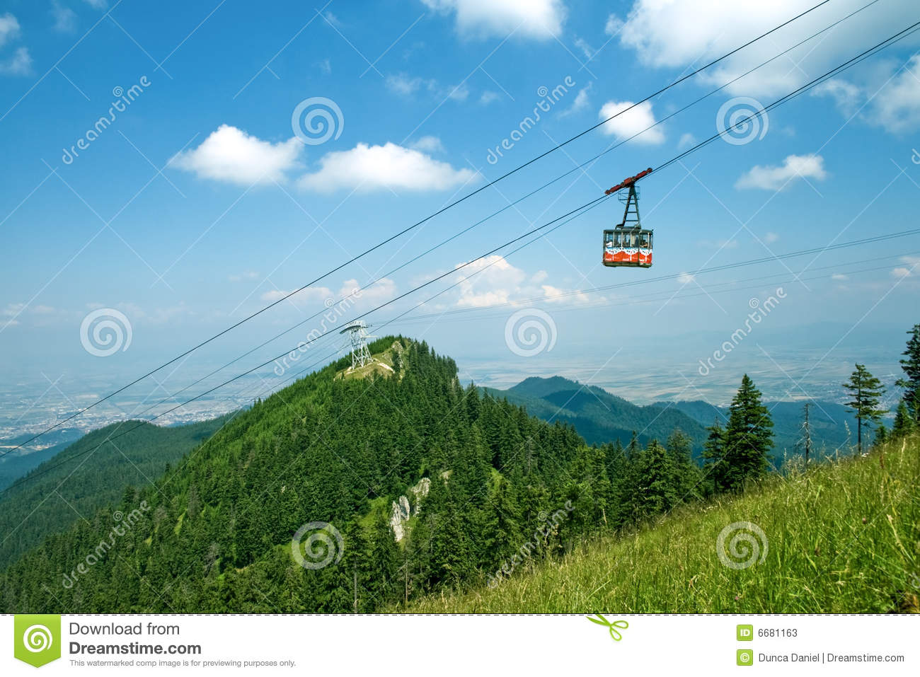 Splendid mountain view - cable cabin and sky