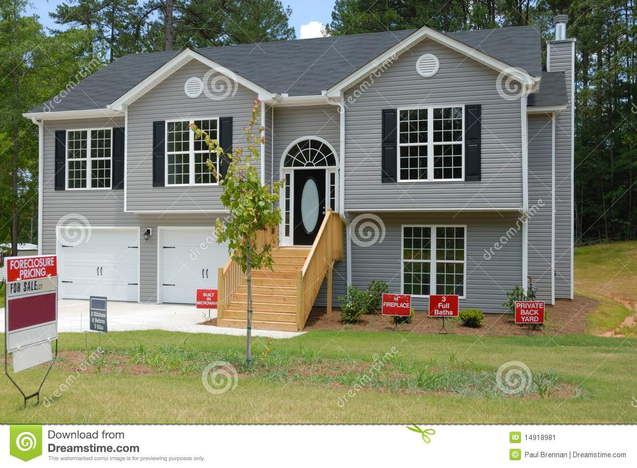 Split level home for sale stock image image 14918981 for New split level homes