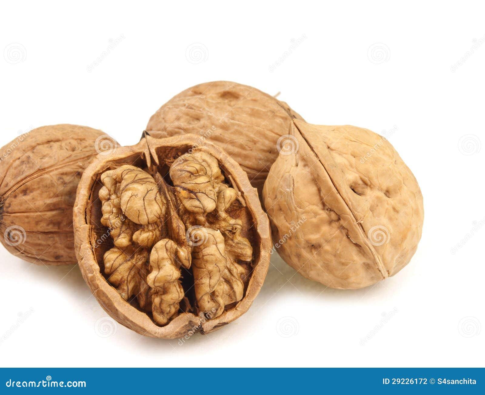 how to crack open walnut