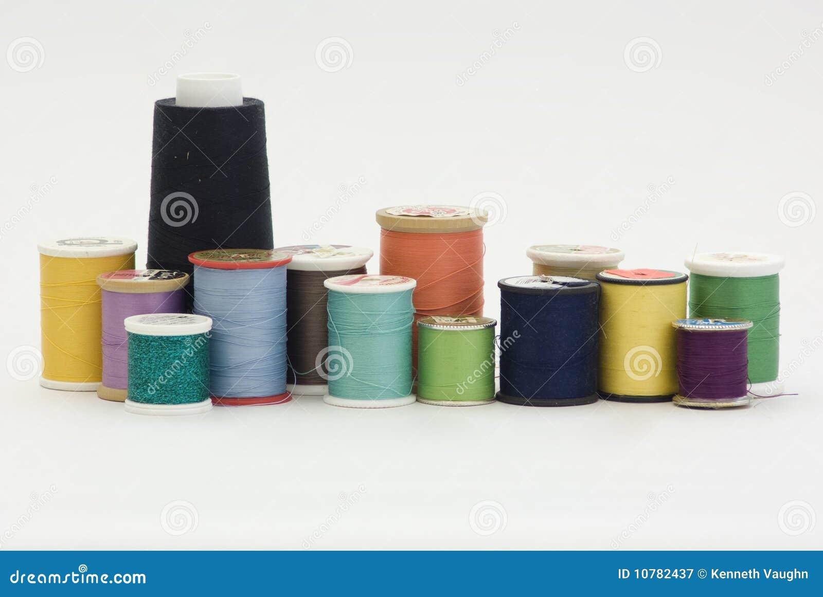Spoelen van naaiende draden