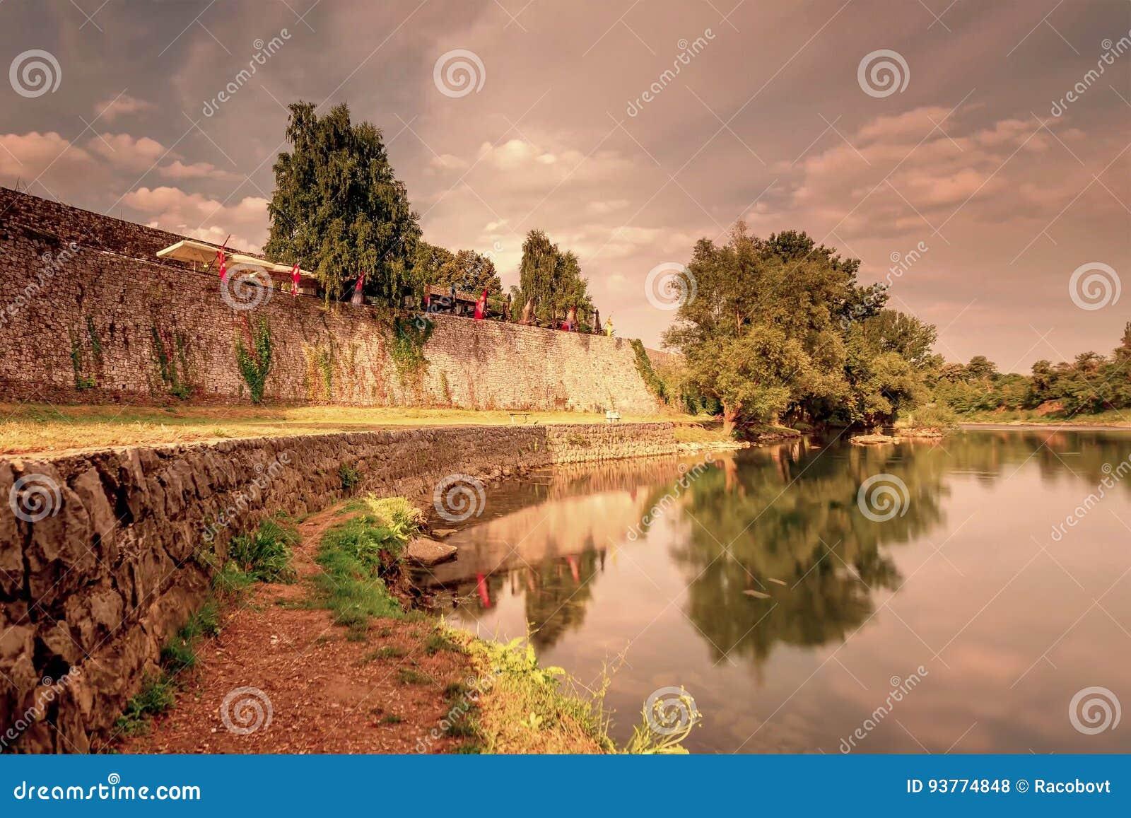 Sponda del fiume di Vrbas a Banja Luka