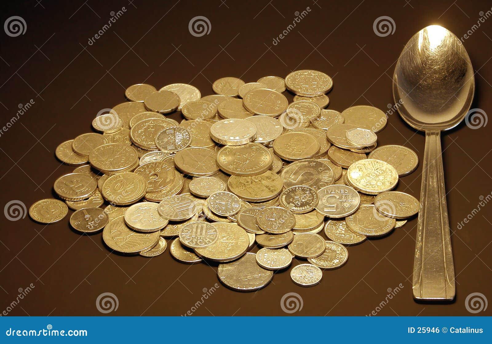 Download Spoon pieniądze zdjęcie stock. Obraz złożonej z biznes, lunch - 25946