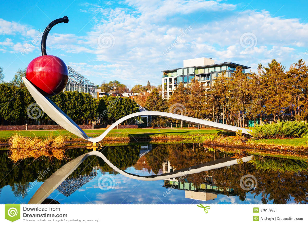 The Spoonbridge And Cherry At The Minneapolis Sculpture Garden ...