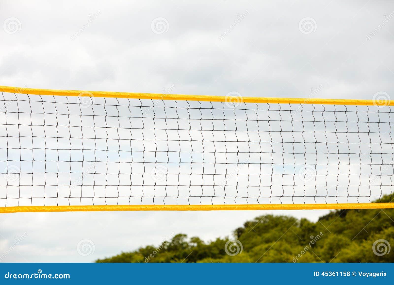 Sport d été de volleyball Filet sur une plage sablonneuse
