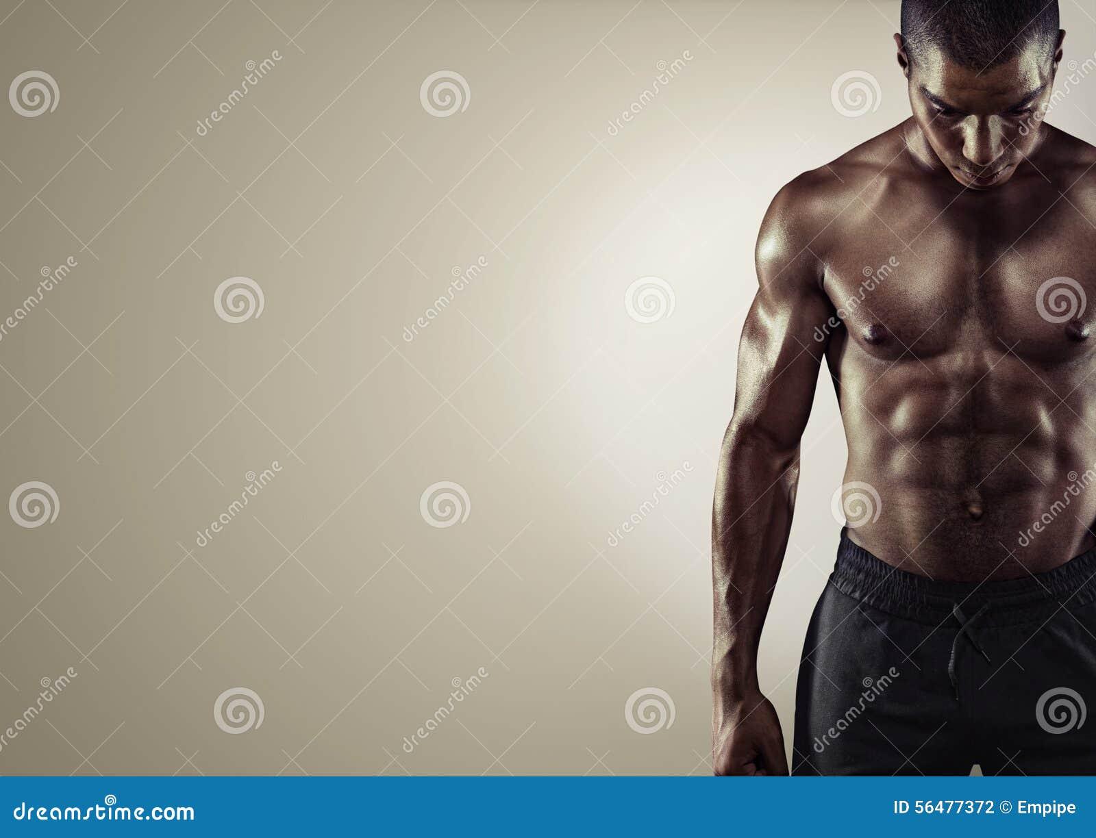 Sport Fermez-vous vers le haut de l image du mâle africain musculaire