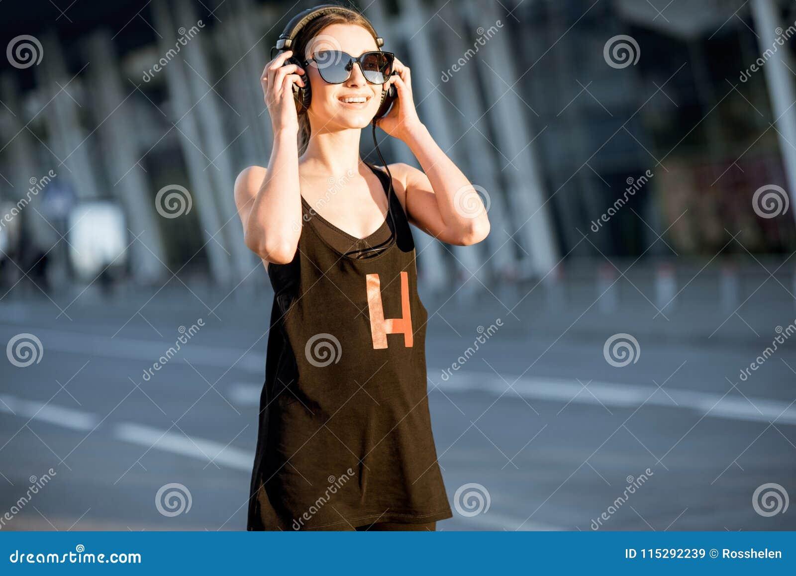 Sport kobiety portret podczas ranku ćwiczenia