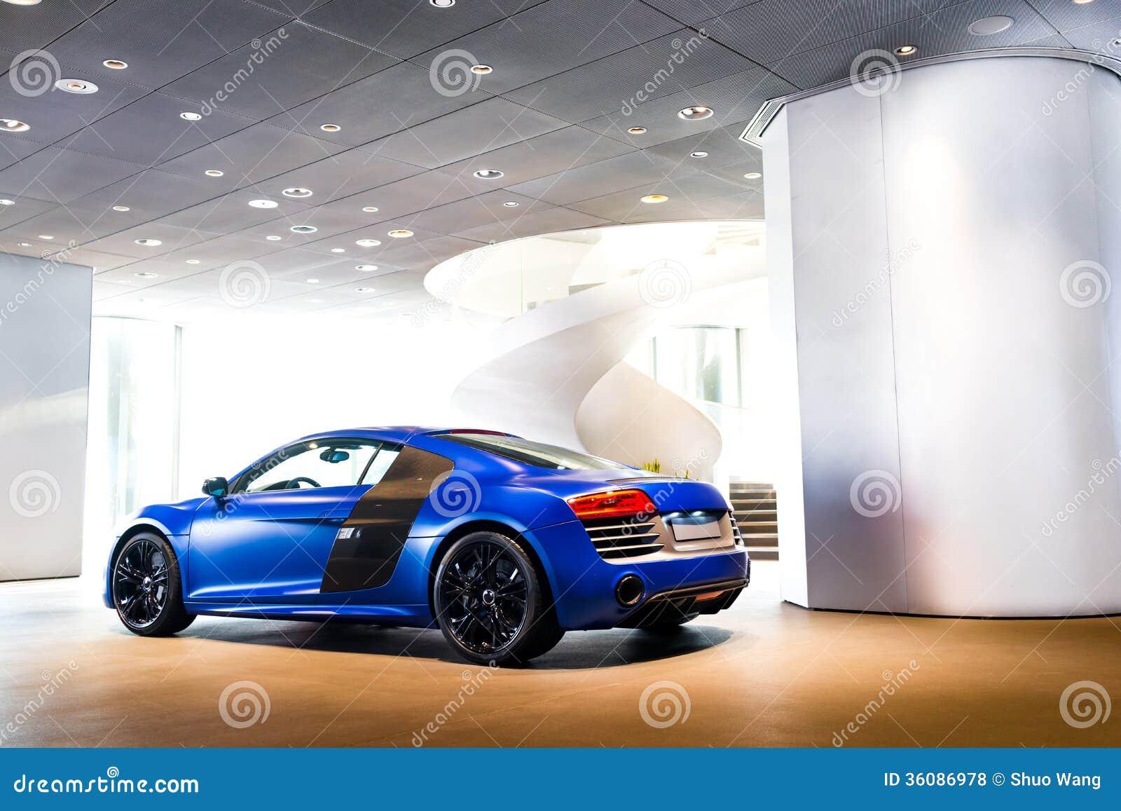 Sporta samochód dla sprzedaży