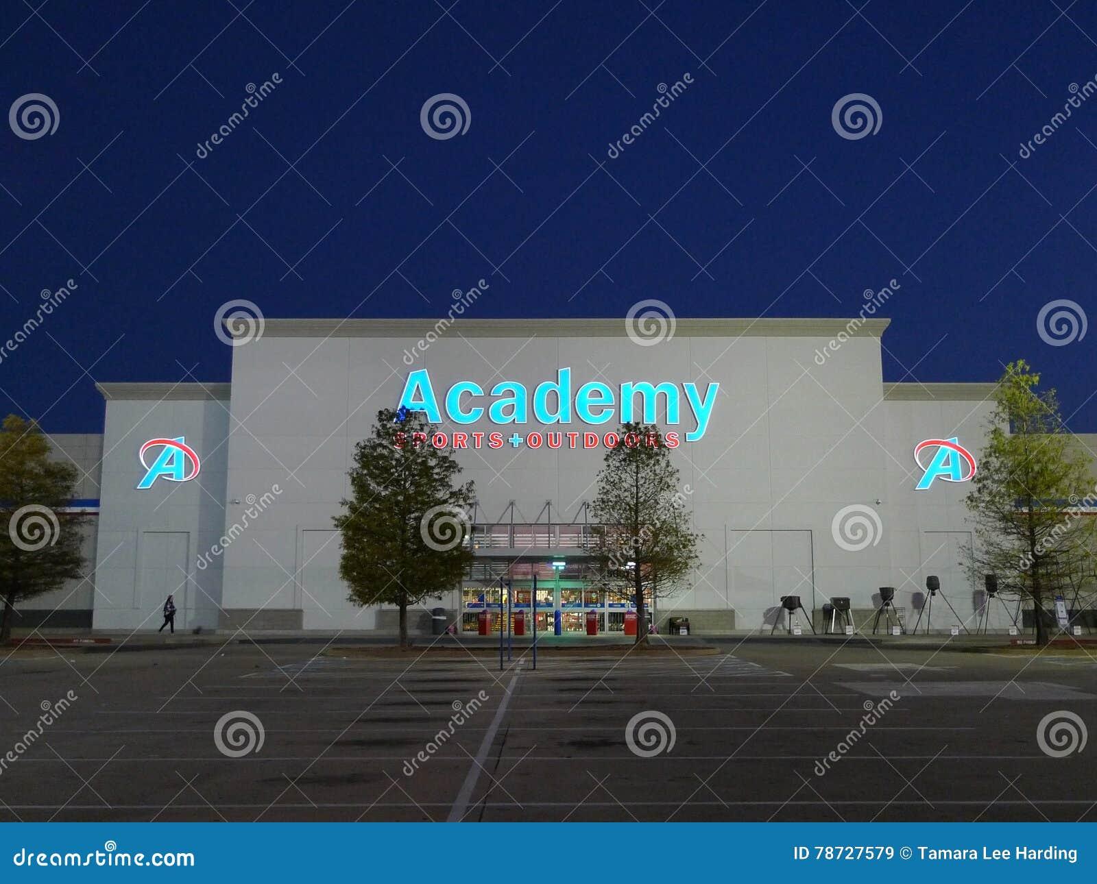 Sportar och utomhus detaljist för akademi