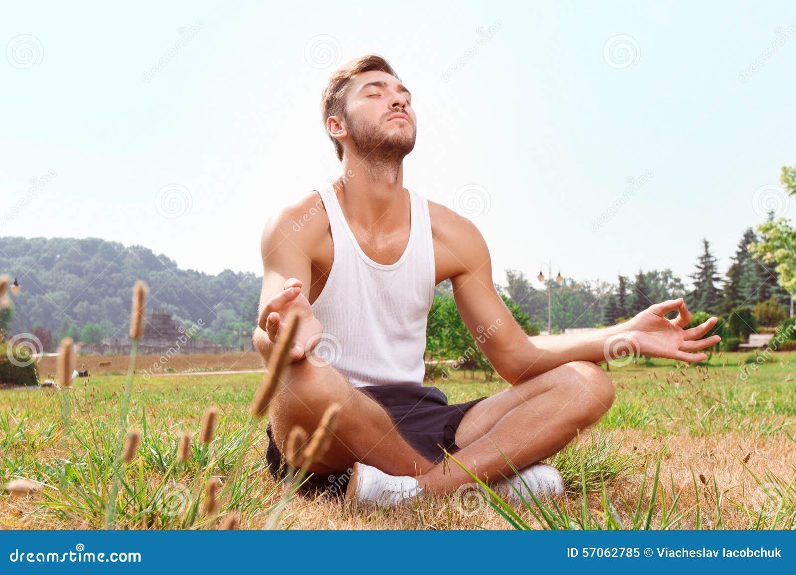 Sportmanzitting op gras