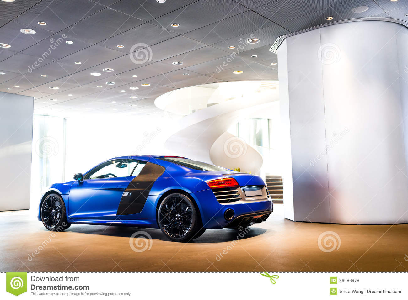 Expensive Car For Sale Or Gift Royalty Free Stock Image: Sports Car For Sale Royalty Free Stock Photos