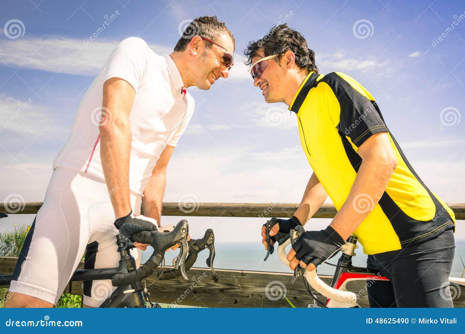 Sportutmanare ar cyklar loppet - cykeln och cyklister