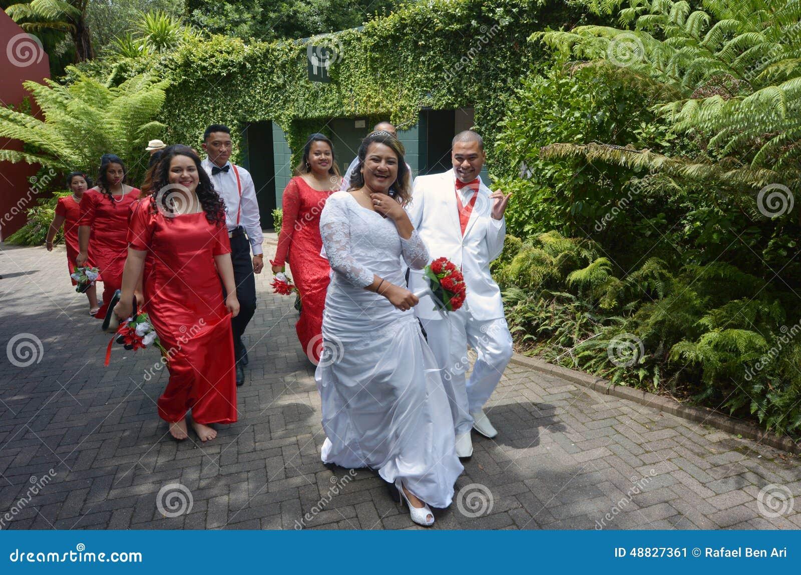 Matrimonio In Nuova Zelanda : Sposa e sposo maori nuova zelanda fotografia editoriale