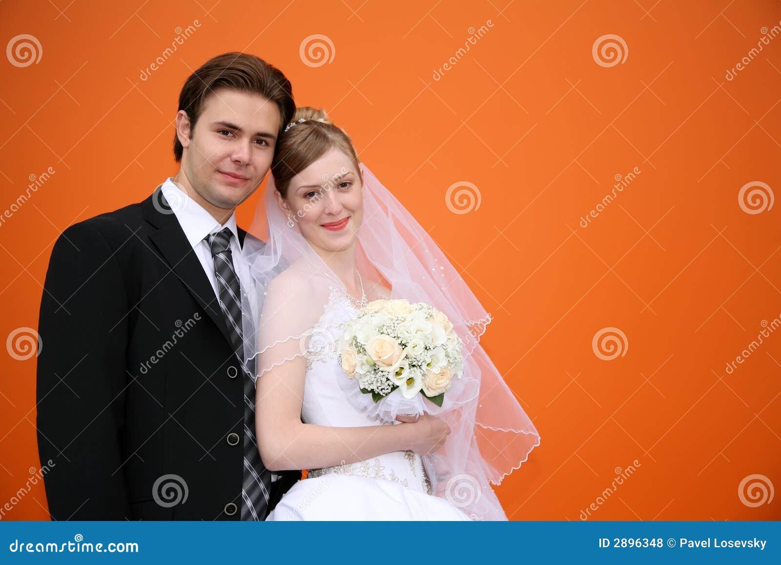 Sposato contro bck arancione
