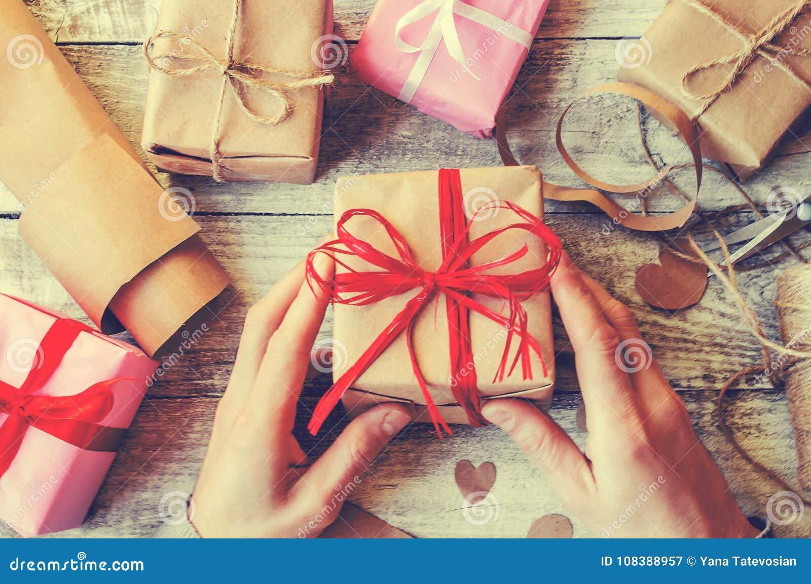 Spostamento di regalo per il caro