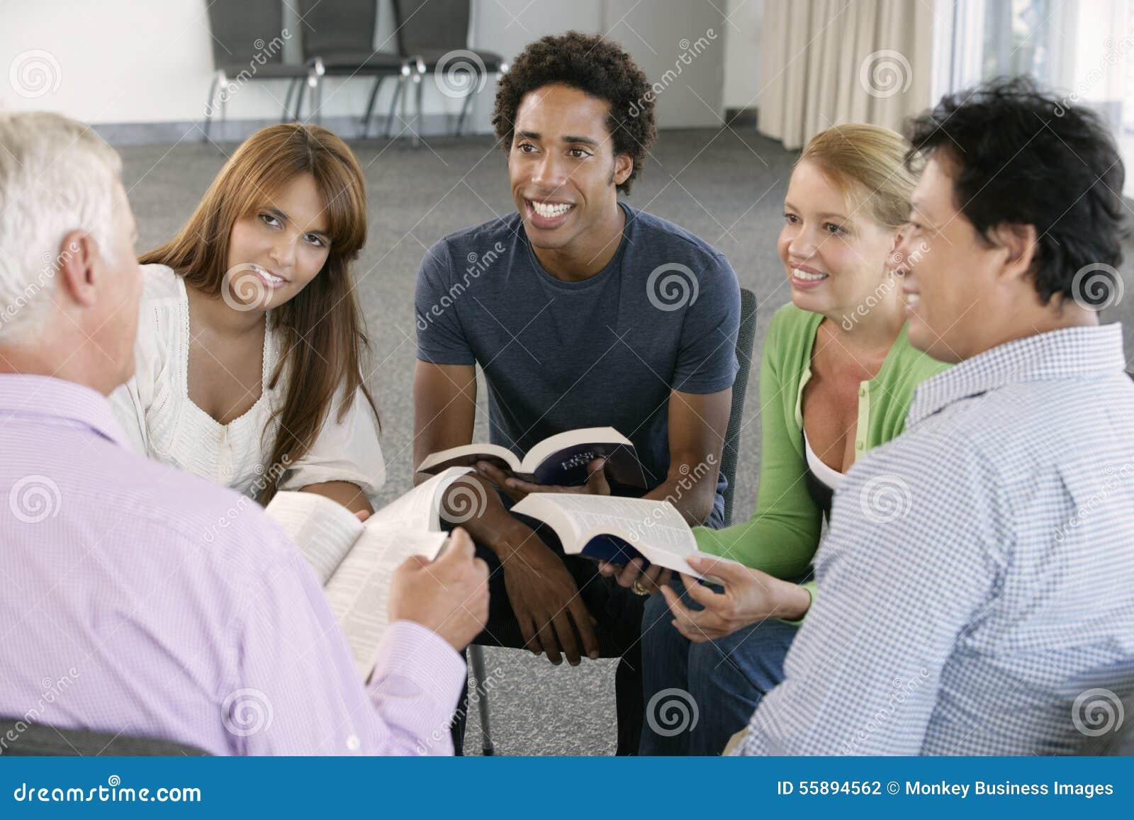 Spotkanie biblii grupa uczących się