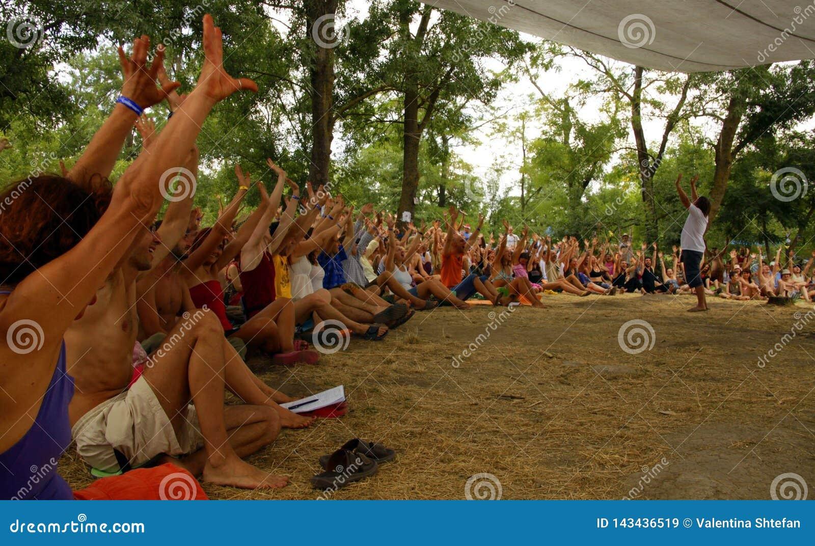 Spotkanie przy lato festiwalem