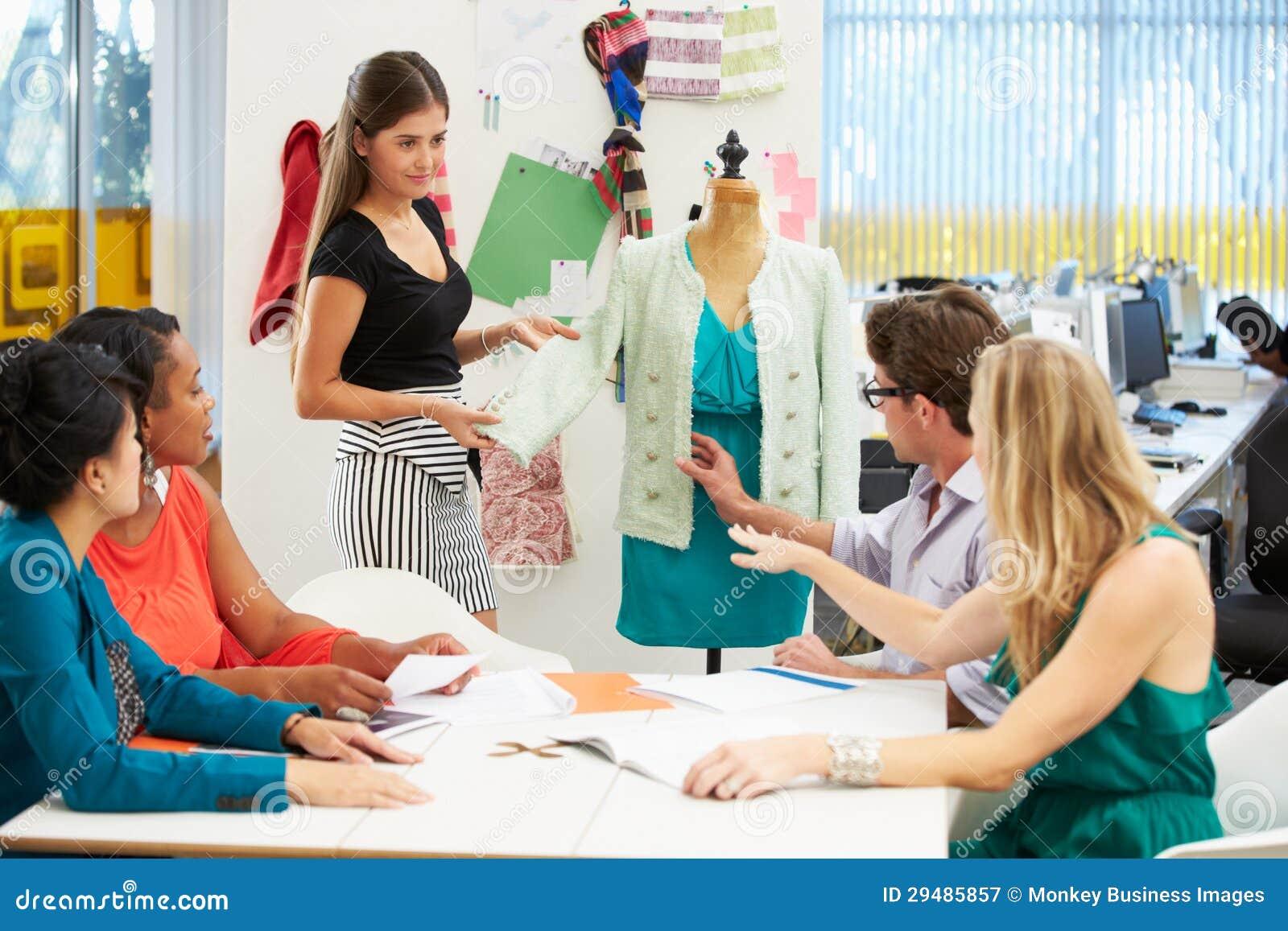 Spotkanie W moda projekta studiu