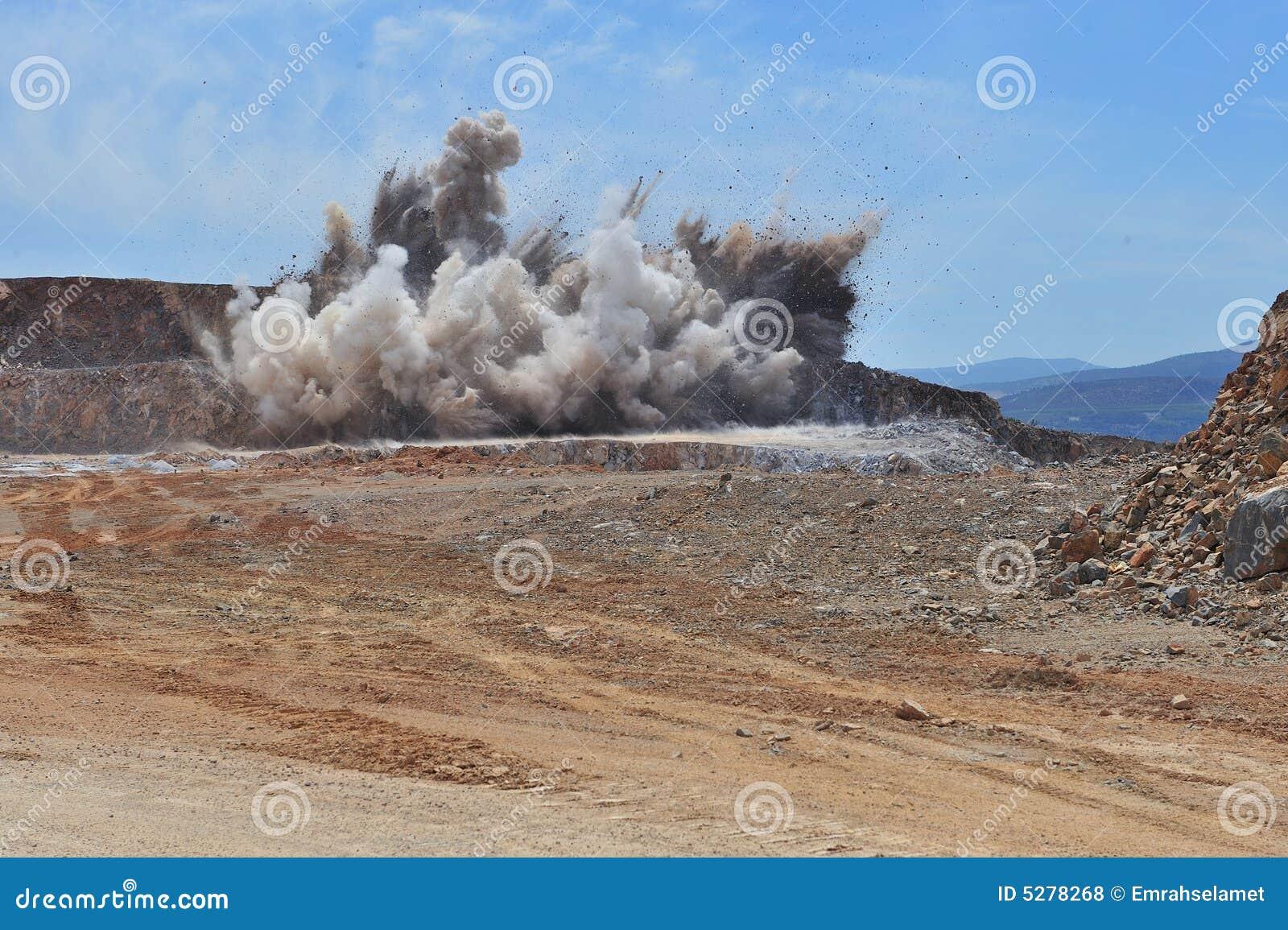 Spränga sten för område