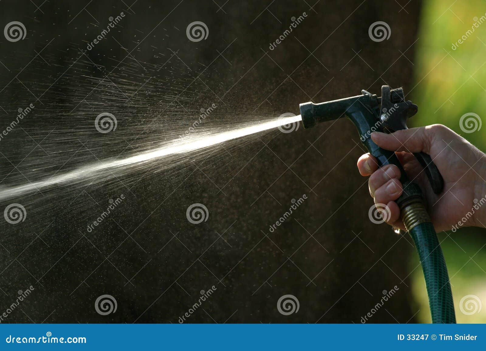 sprühschlauch stockbild. bild von spray, baum, draußen, hand - 33247