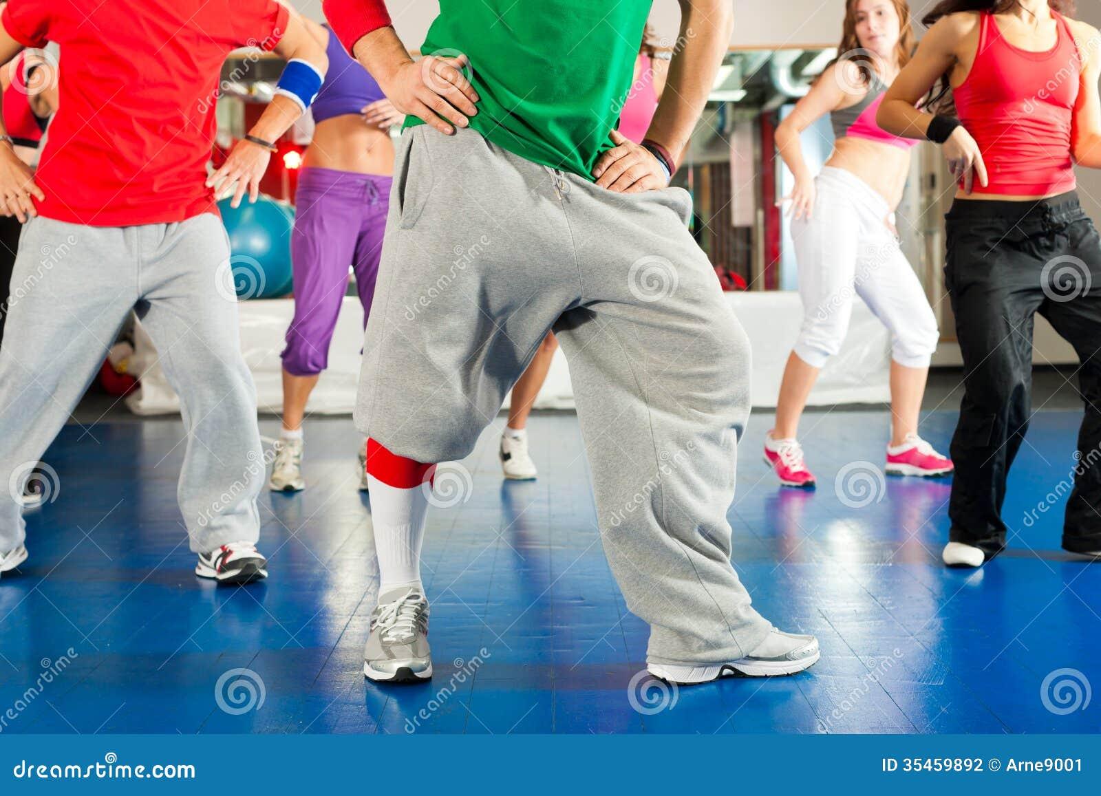 Sprawność fizyczna - Zumba trening w gym i szkolenie