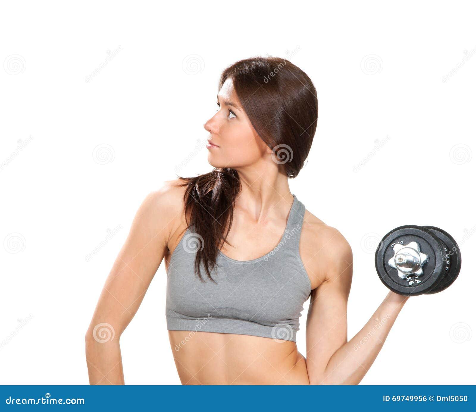 Sprawności fizycznej kobieta z perfect sportowym ciała i abs treningiem