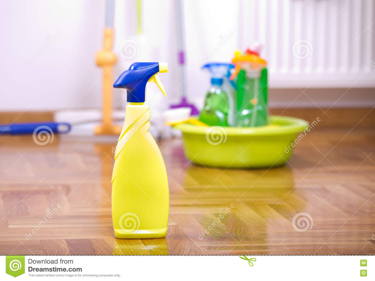 how to clean a spray bottle