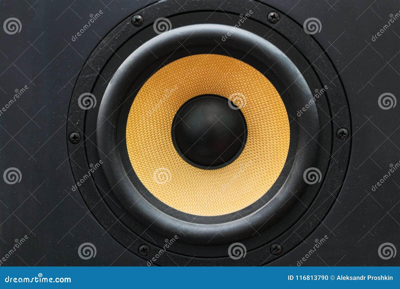 Sprecherlautsprecher mit gelbem Diffusor