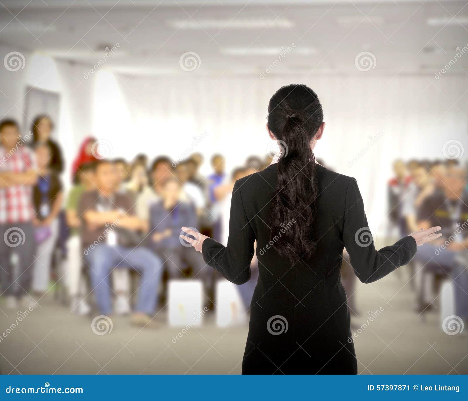 Spreker bij conferentie en presentatie