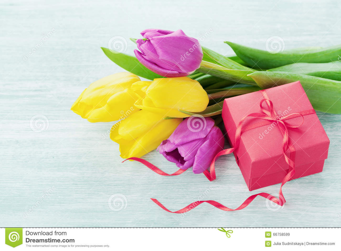 Spring Flowers And Gift Box Light Table Stock Image - Image of ... 982e97d791