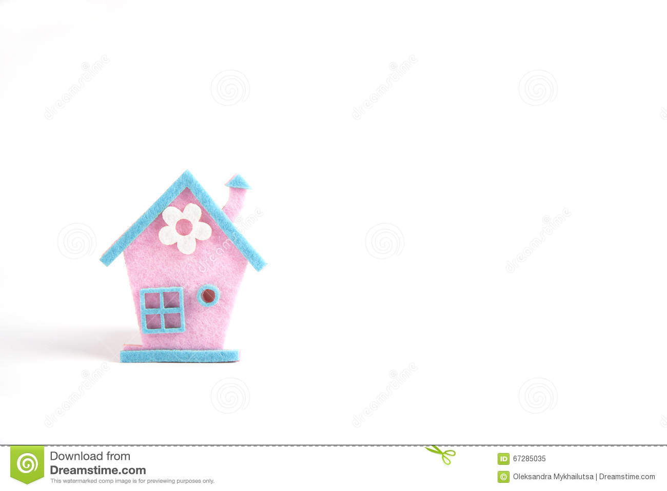 Felt House With Hearts Ornament Tools And Materials For