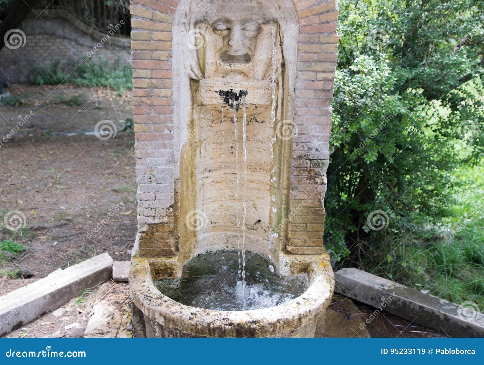 Springbrunn av fritt drickbart vatten i Rome