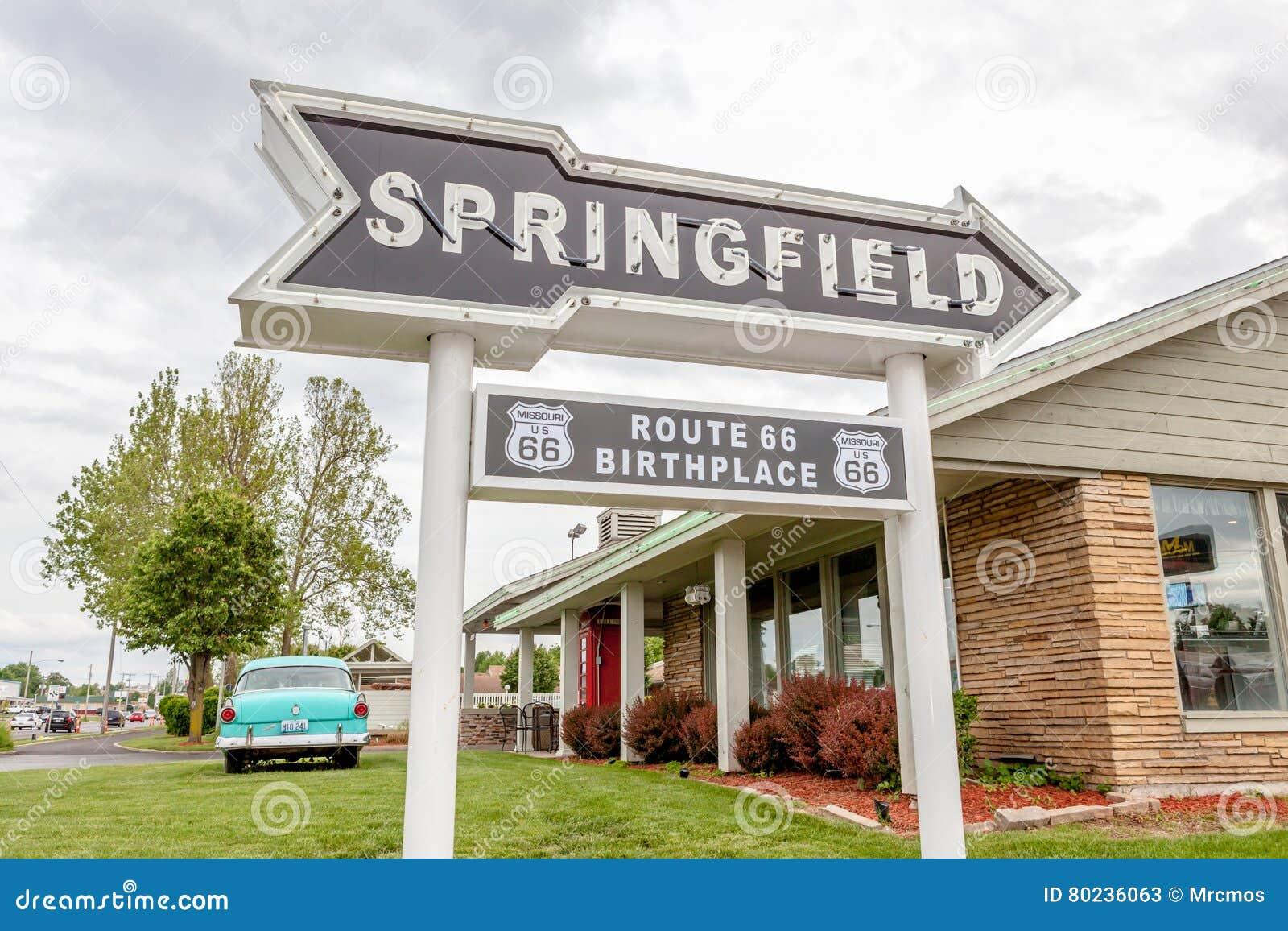 Springfield Missouri, de V.S. 18 Mei, 2014 De wegpijl van Springfield