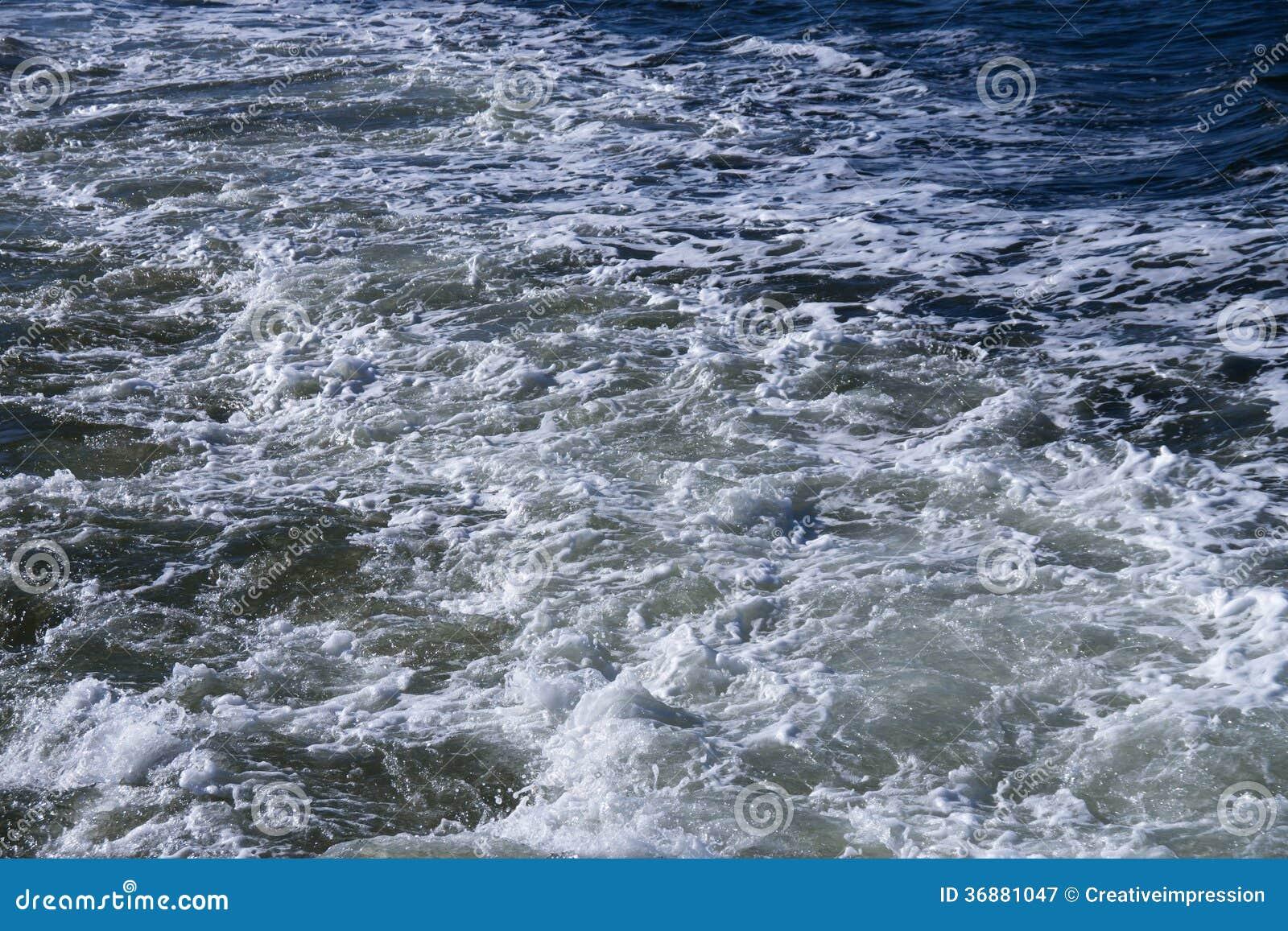 Download Spruzzo E Canale Navigabile Immagine Stock - Immagine di waterway, esterno: 36881047