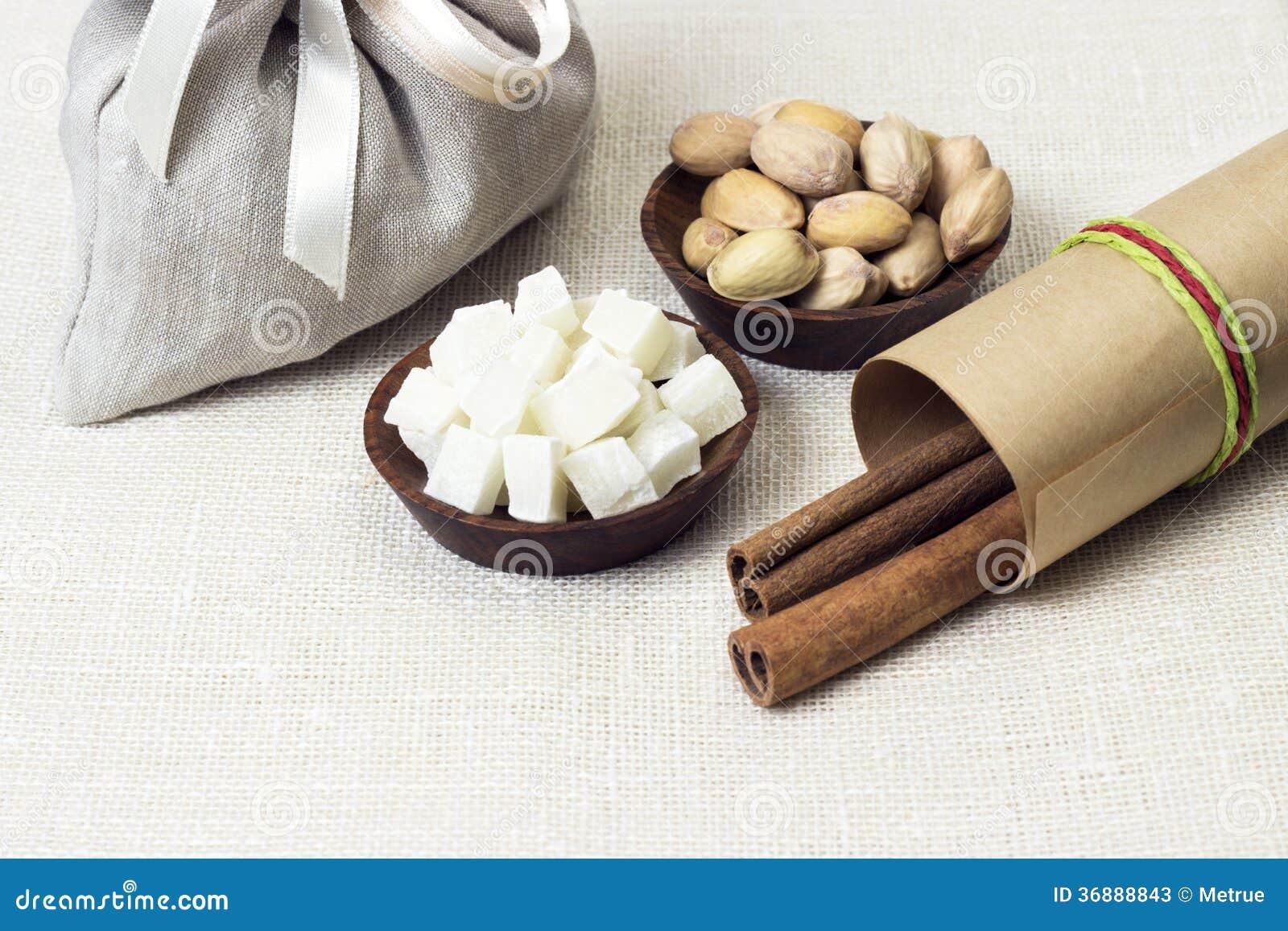 Download Spuntini naturali immagine stock. Immagine di gourmet - 36888843