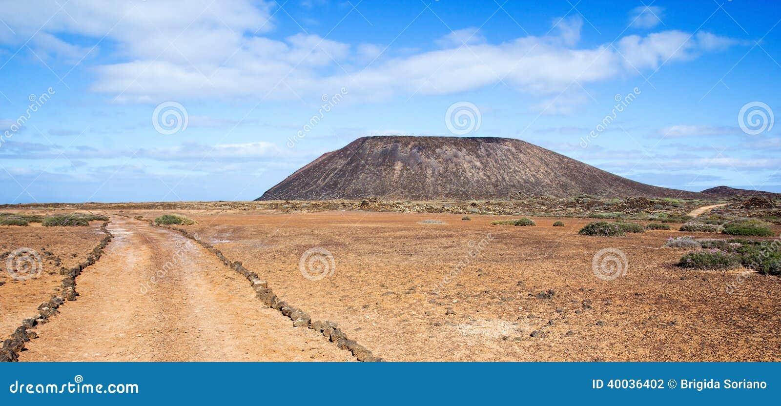Spur Und Vulkan Auf Los Lobos In Den Kanarischen Inseln Stockfoto ...