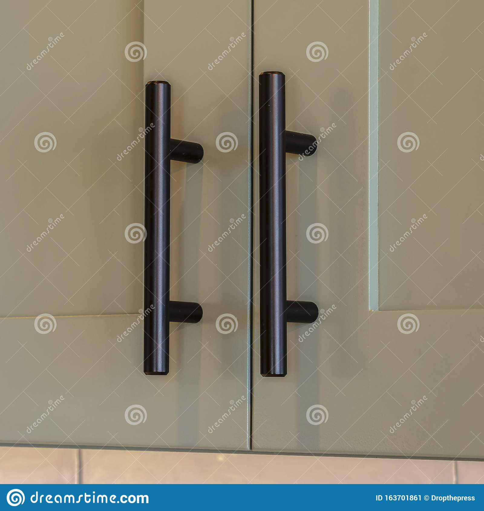 557 Kitchen Cupboard Handles Photos Free Royalty Free Stock Photos From Dreamstime