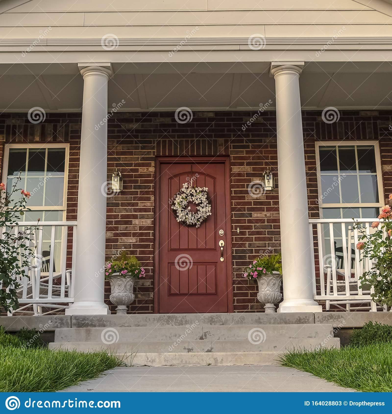 Square Front Facade Of A Modern House With Pillars Stock Image Image Of Suburbs Design 164028803