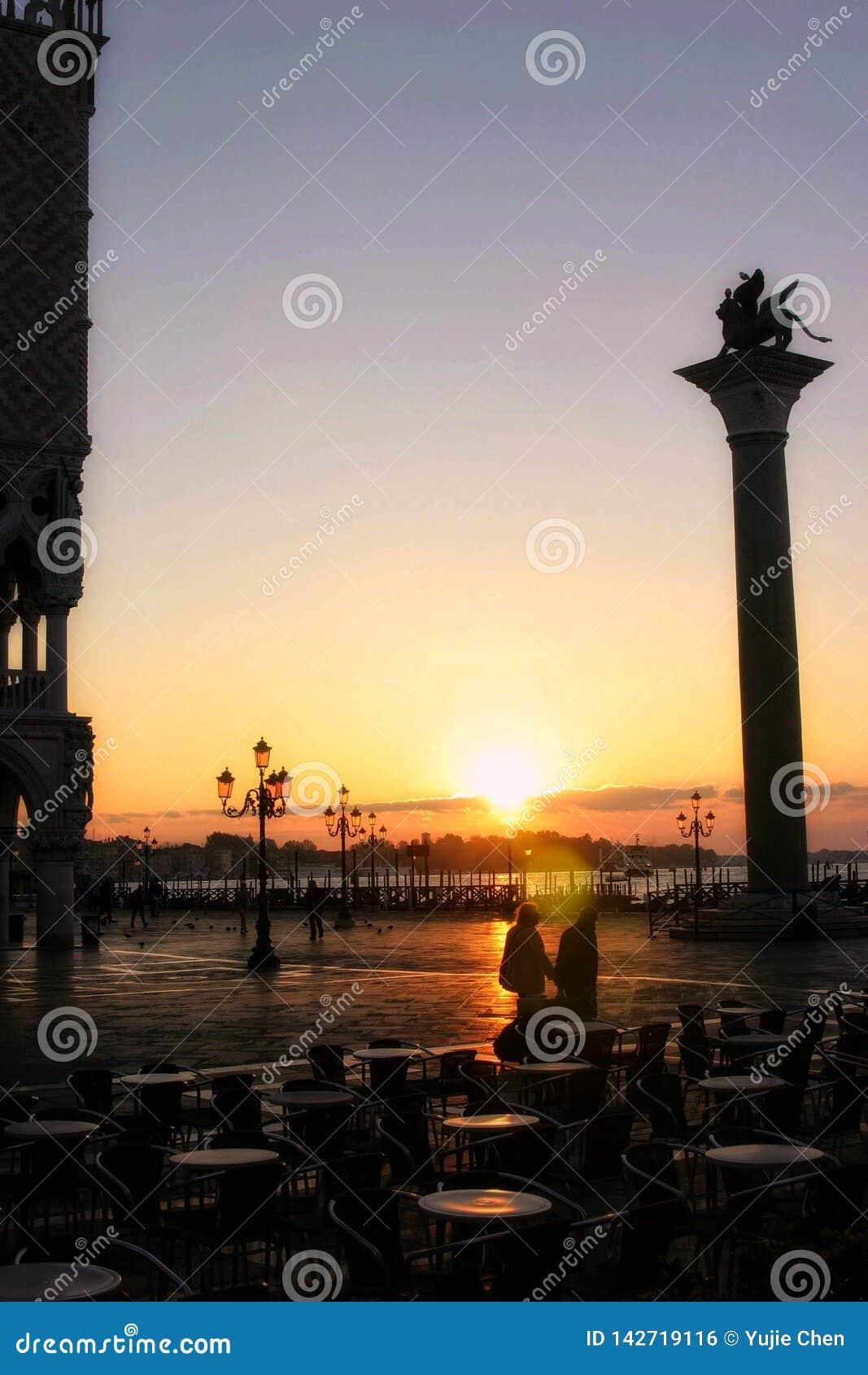 Squre van San Marco, Venetië bij dageraad