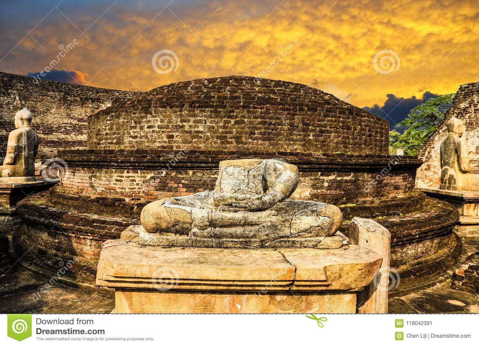 Sri lanka Polonnaruwa Vatadage Sunset