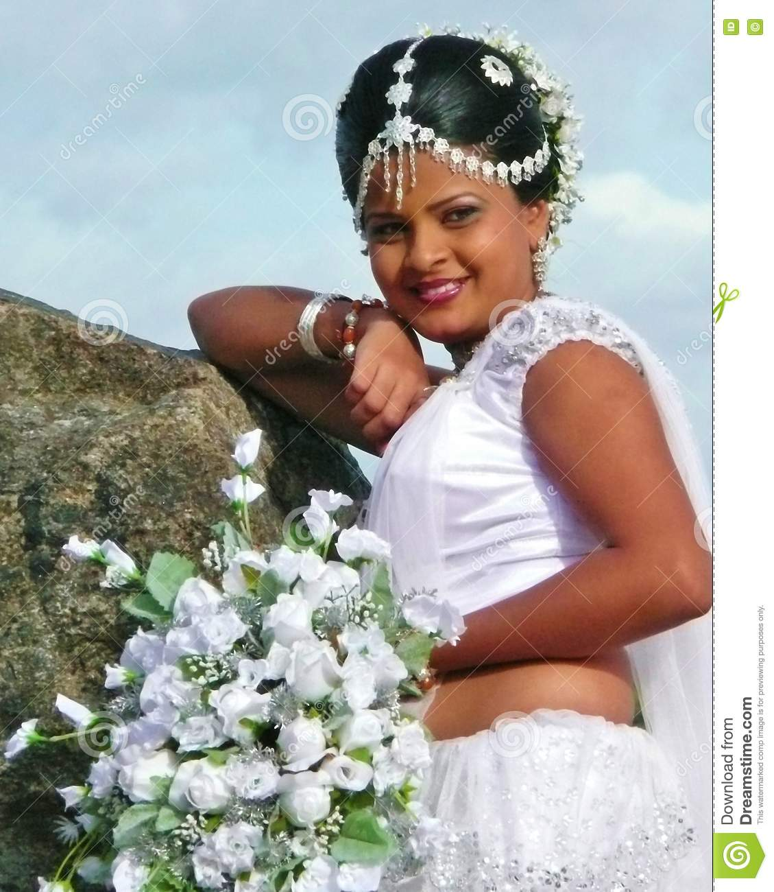 Sri lanka rich bride editorial stock image image of sinhalese sri lanka rich bride izmirmasajfo Image collections