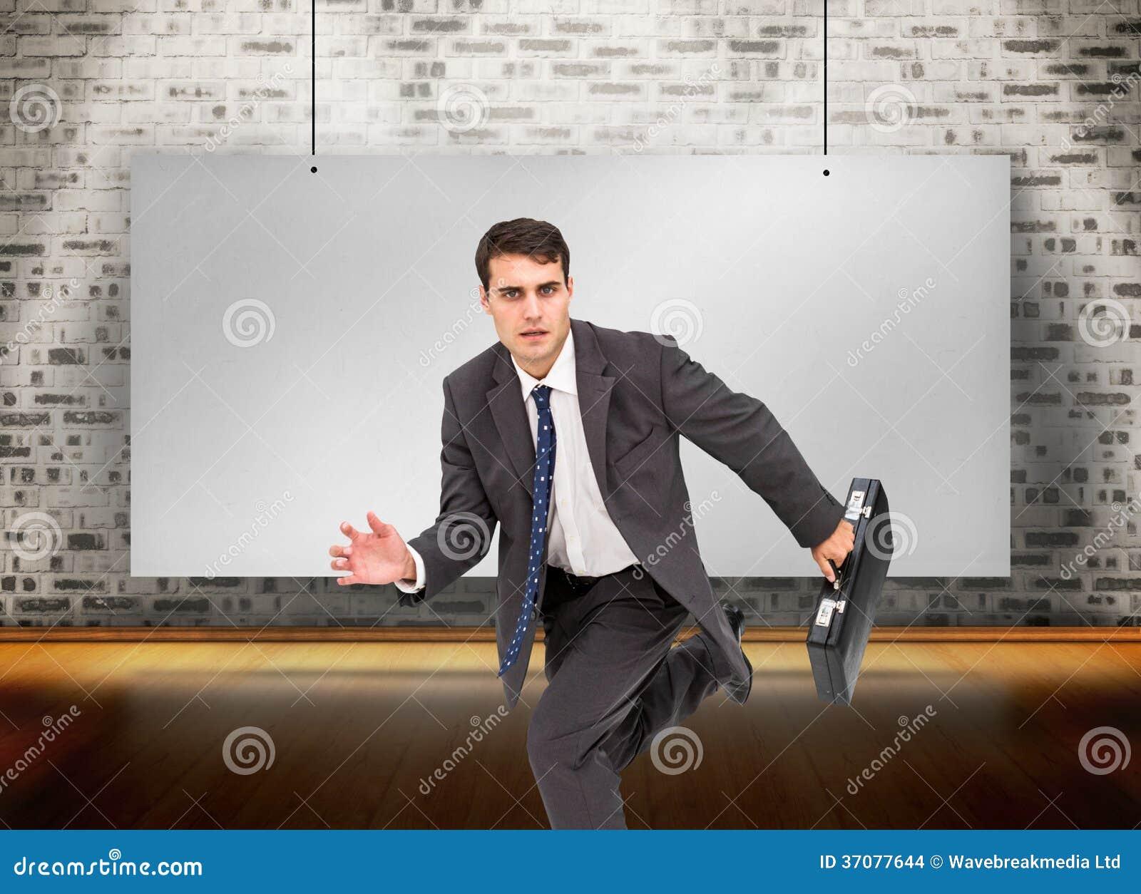 Download Srogo biznesmen w hury zdjęcie stock. Obraz złożonej z wallah - 37077644
