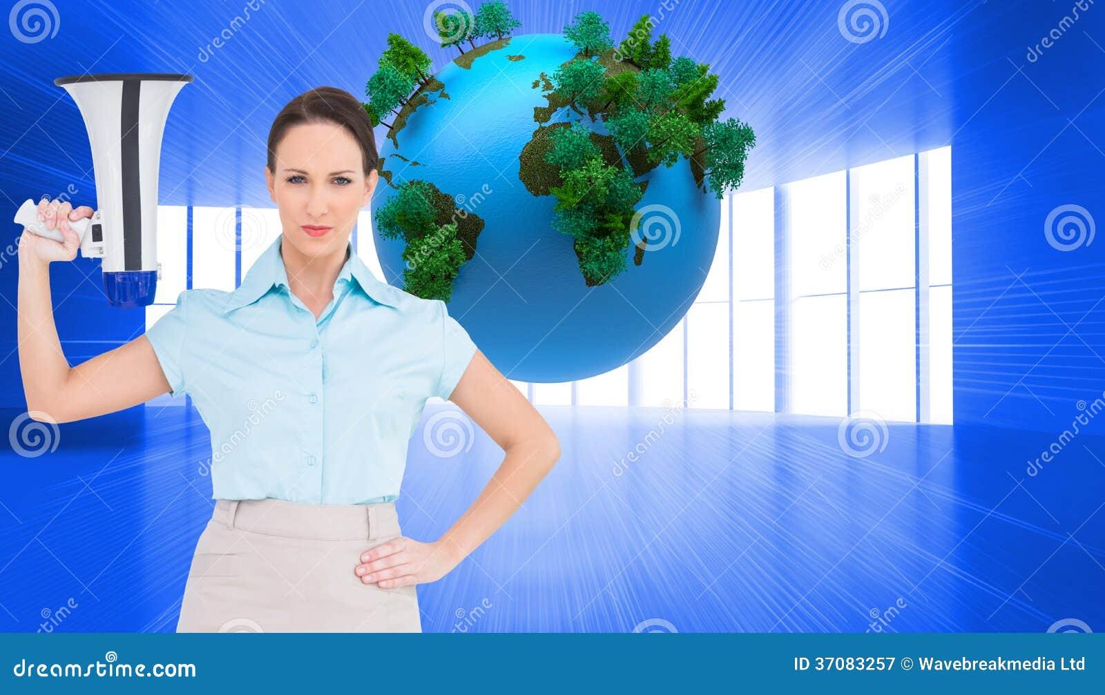 Download Srogo Z Klasą Bizneswomanu Mienia Megafon Obraz Stock - Obraz złożonej z potomstwa, koszula: 37083257