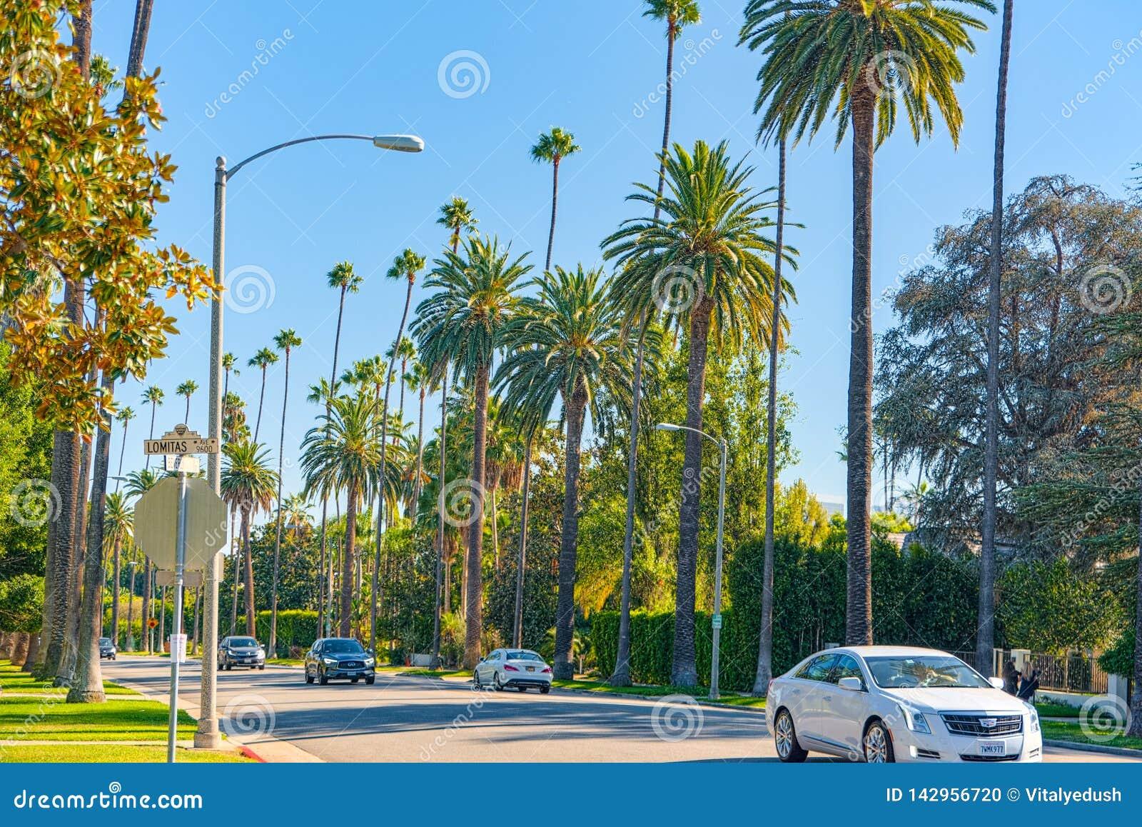 Städtische Ansichten des Beverly Hills-Bereichs und der Wohngebäude auf dem Hollywood Hills