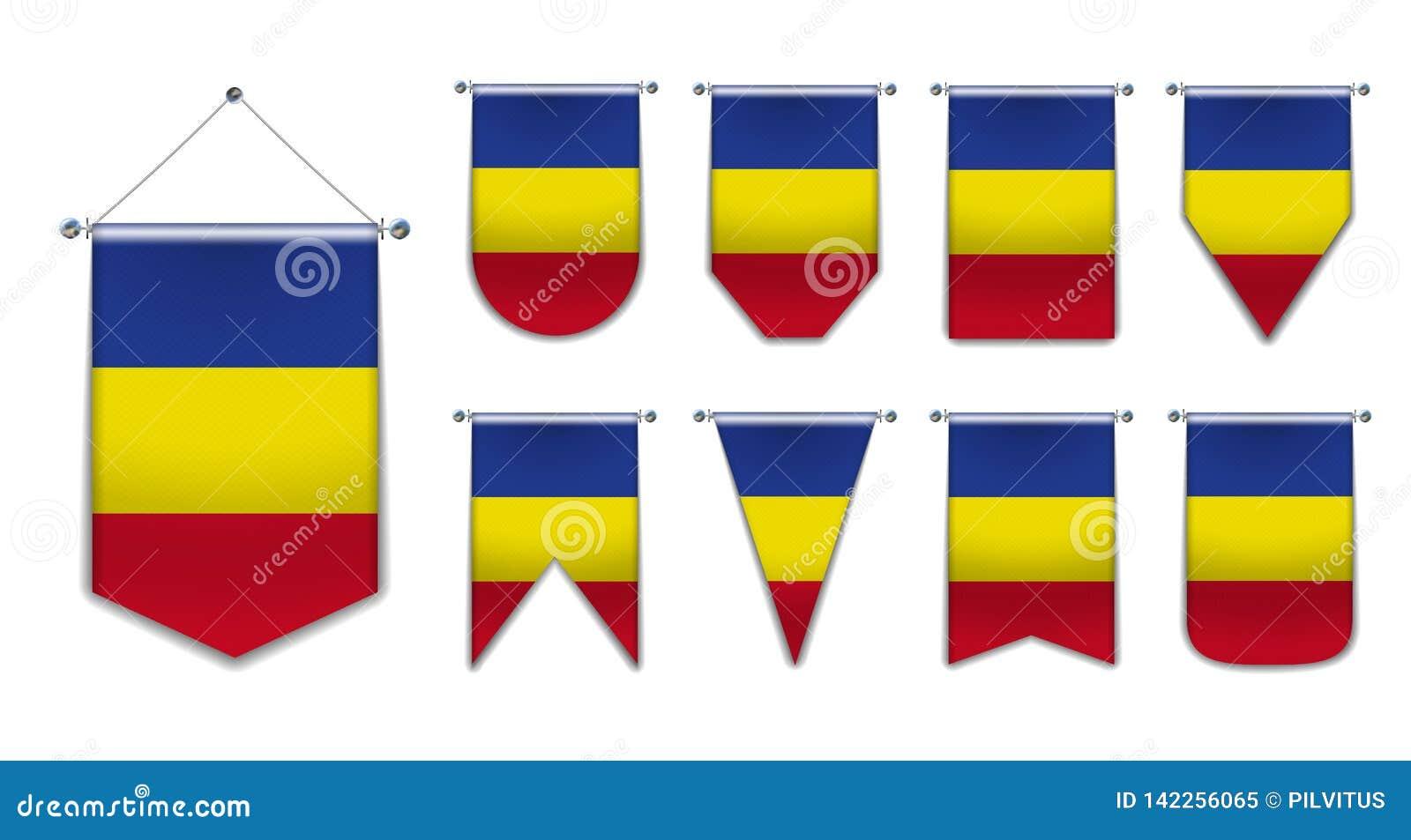 Ställ in av hängande flaggor av Rumänien med textiltextur M?ngfaldformer av nationsflaggalandet vertikalt