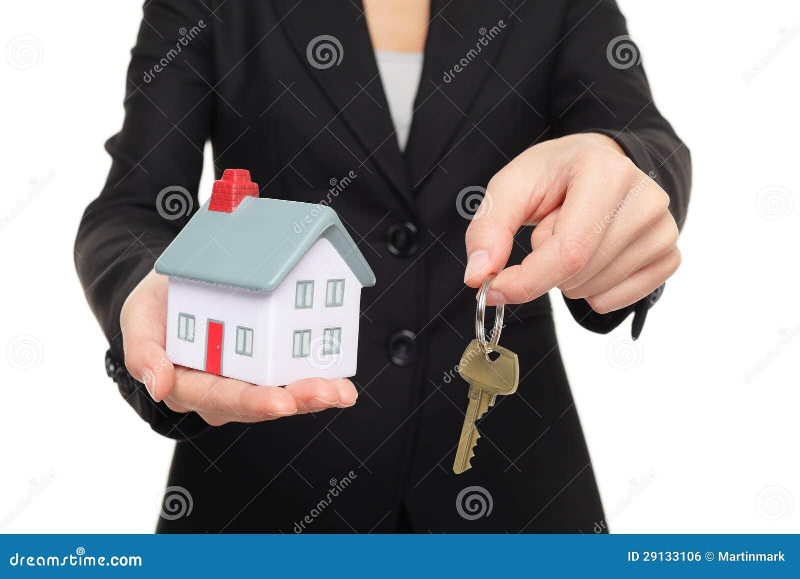 Stämm det nya huset för fastighetsmäklare begrepp
