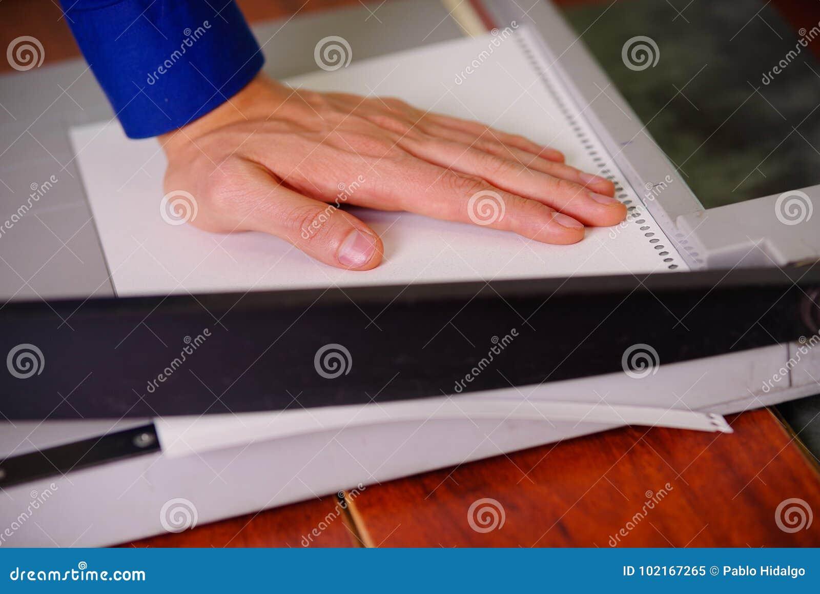 Faran med ett papper